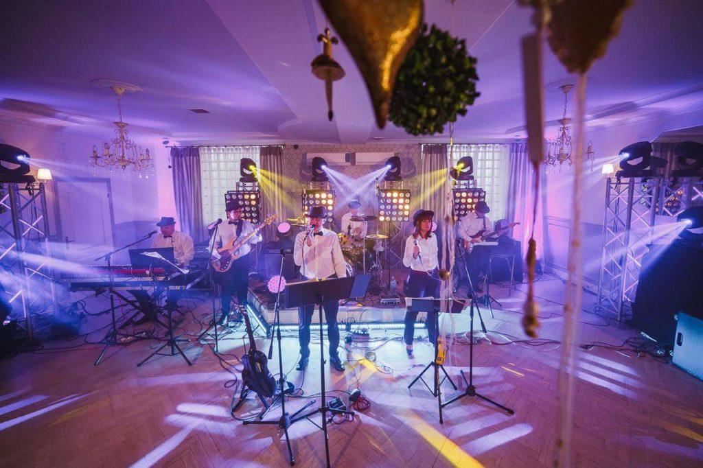 Party Time Cover Band w Anmark Czeladź podczas nagrywania teledysku do promomix.